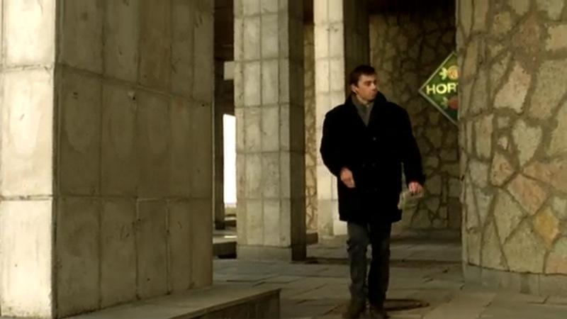 Герой ищет квартиру и  возвращается на Васильевский остров