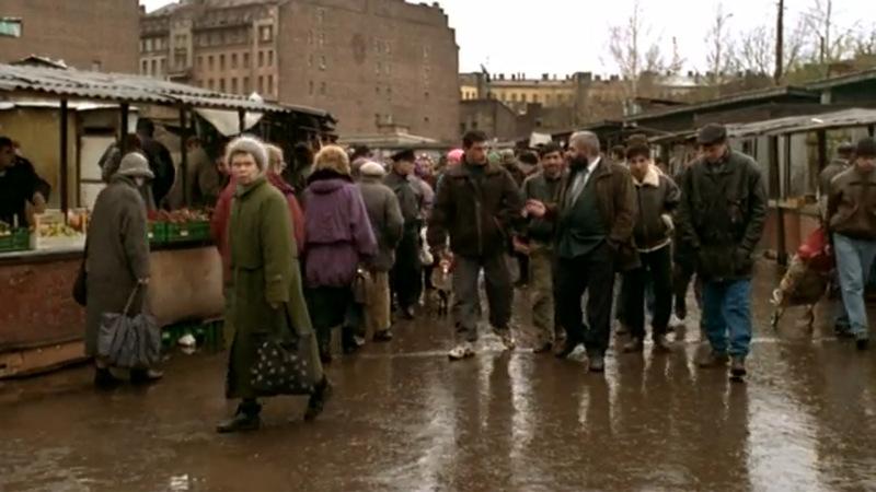 Рынок на Сенной, где Данила получает заказ от брата — убить Чечена