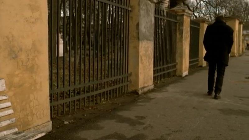Данила Багров вновь приходит на Смоленское кладбище, чтобы попрощаться с Гофманом