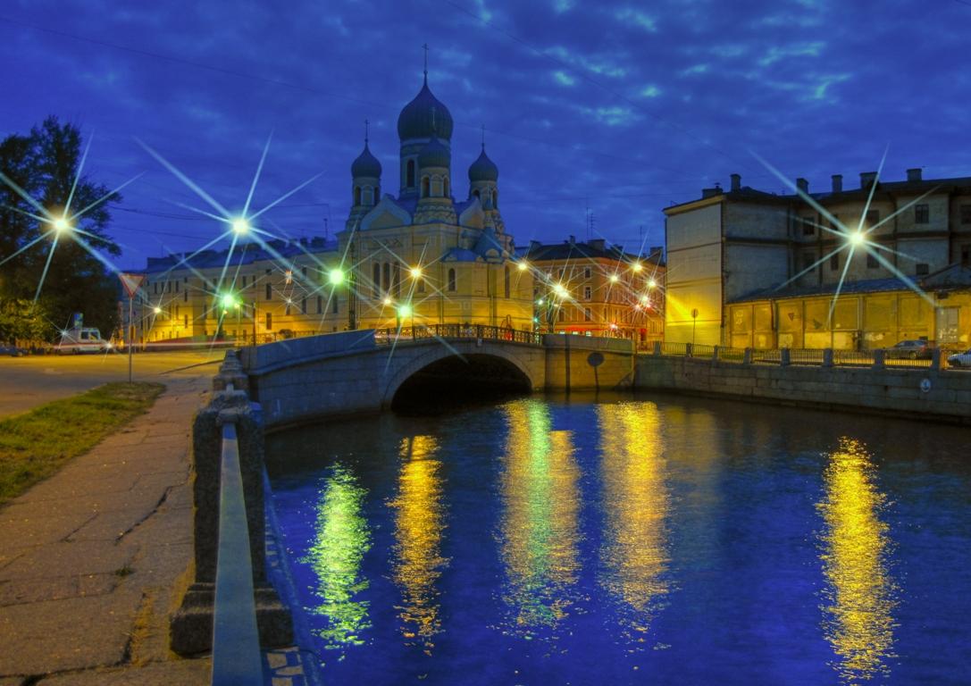 Вид на церковь св. Исидора Юрьевского. Сподаренко Юрий wikimedia