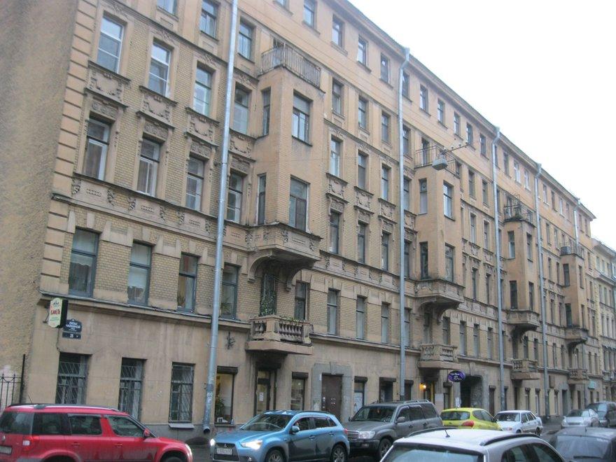 Улица Лизы Чайкиной, 25