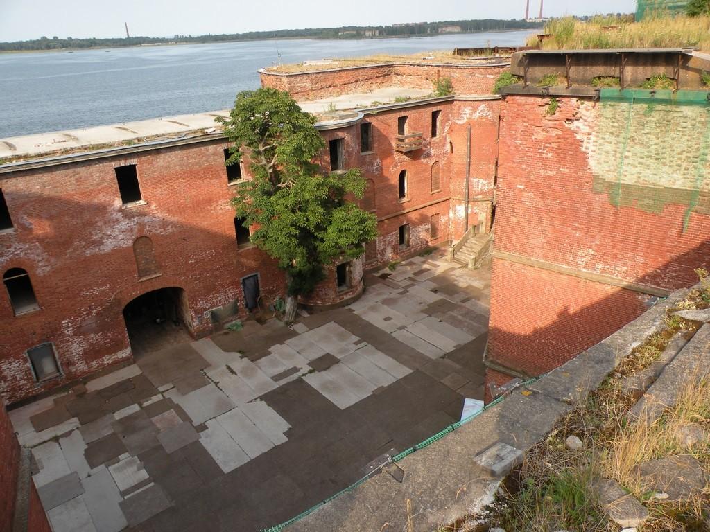 """Форт """"Александр I"""" (""""чумной""""). Фото: wikiway.com"""