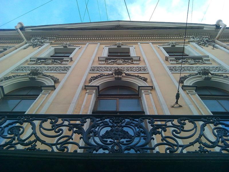 Дом Пиковой дамы. Автор: Aervin, Wikimedia Commons