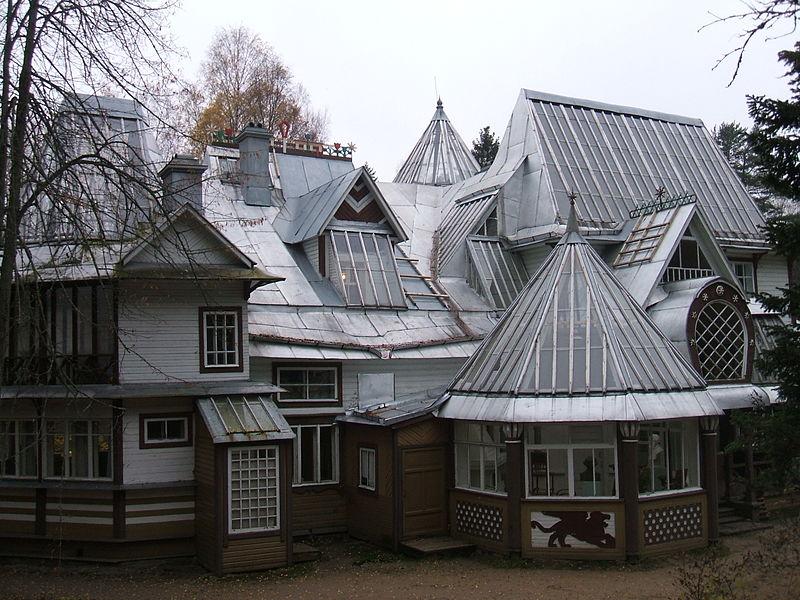 Красота крыш. Автор: Пётр Иванов, Wikimedia Commons