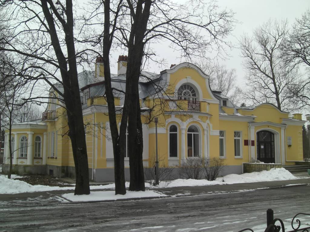 Особняк Рождественского в Гатчине. Автор фото: Serko at Russian Wikipedia