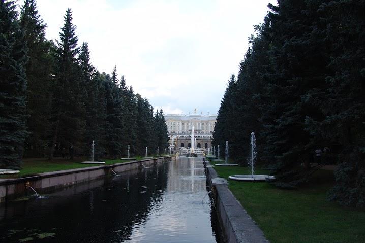Морской канал (аллея фонтанов). Автор: Peterburg.center