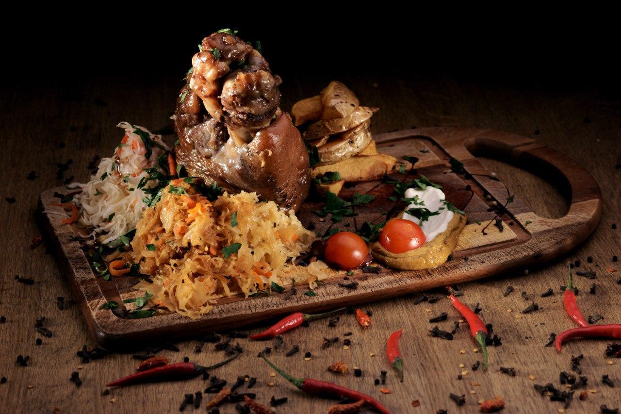 """Ресторан-Бар """"Два Хвоста"""", источник фото: https://vk.com/spb2hvosta?z=album-115667491_2327840"""