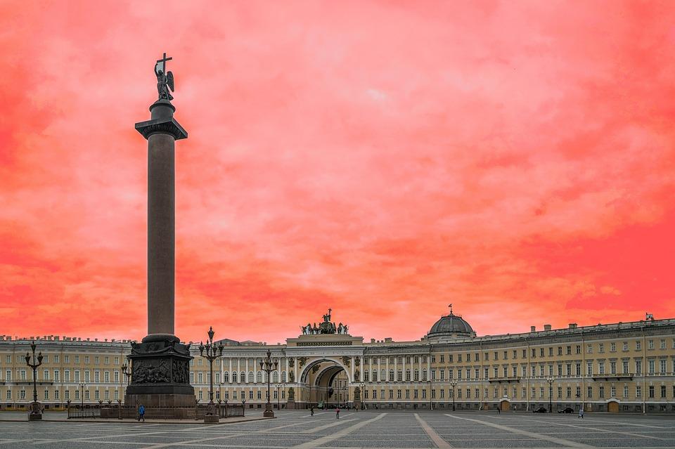 Дворцовая Площадь Александровская Колонна, источник фото: https://pixabay.com/ru/дворцовая-площадь-1091581/