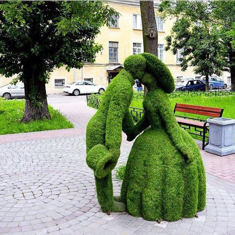 Ландшафтный дизайнер влюбленная пара. Фото: Elena1985 23.05.2016 (club.chicco.ru)