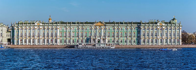 Зимний Дворец, Эрмитаж, источник фото: Wikimedia Common https://commons.wikimedia.org/wiki/File:Winter_Palace_Panorama_4.jpg Автор: Florstein (WikiPhotoSpace)