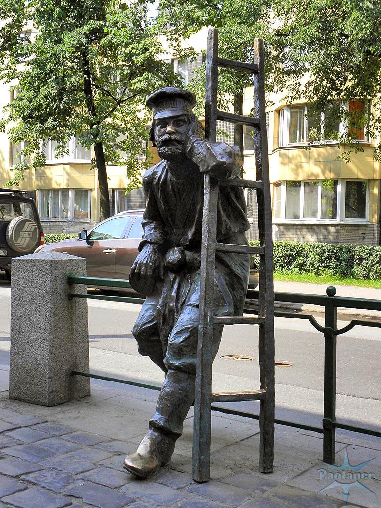 Памятник фонарщику. Фото: fona