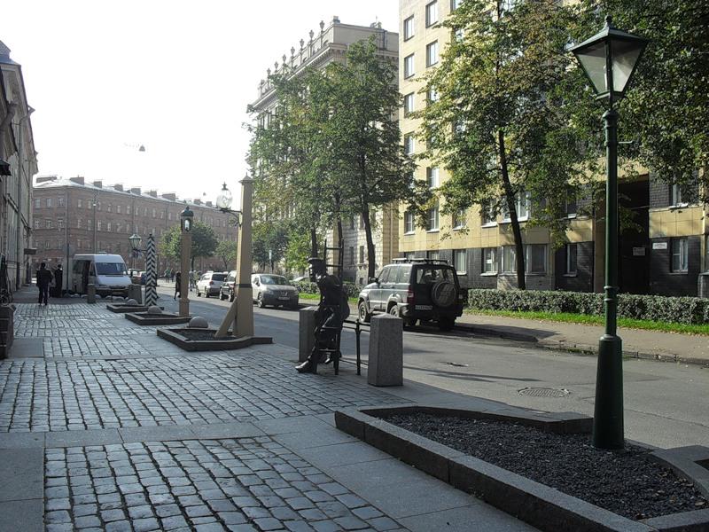 Памятник Фонарщику в Санкт-Петербурге. Фото: s-pb.in/pamyatniki-spb