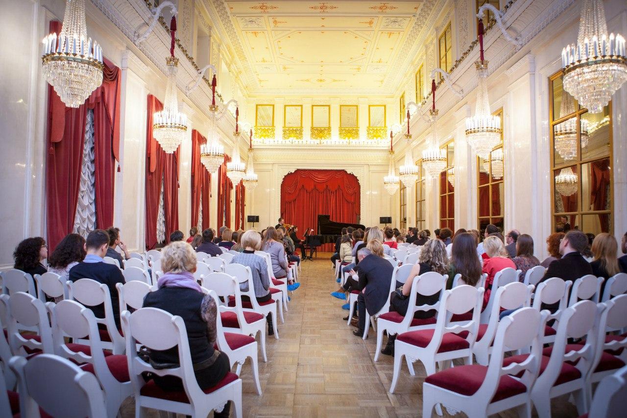 Фонтанный дом. Концерты в Белом зале Шереметевского дворца