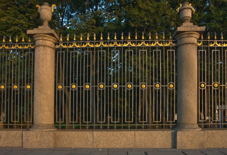 Ограда Летнего сада. Георгий Шуклин https://commons.wikimedia.org/