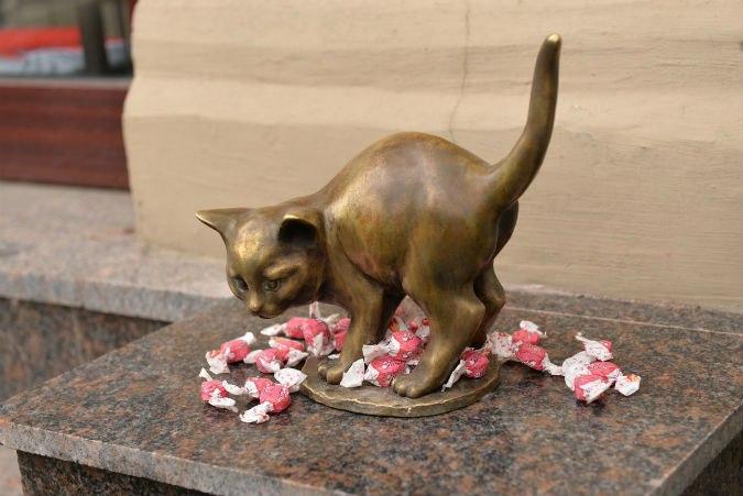 Памятник котёнку Фунтику