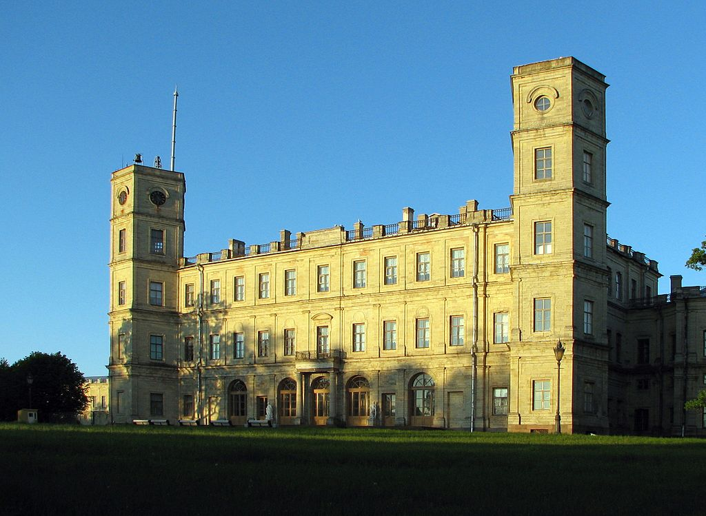 Вид на северный фасад дворца, июнь 2008 г. Фото: Артём Топчий (Wikimedia Commons)