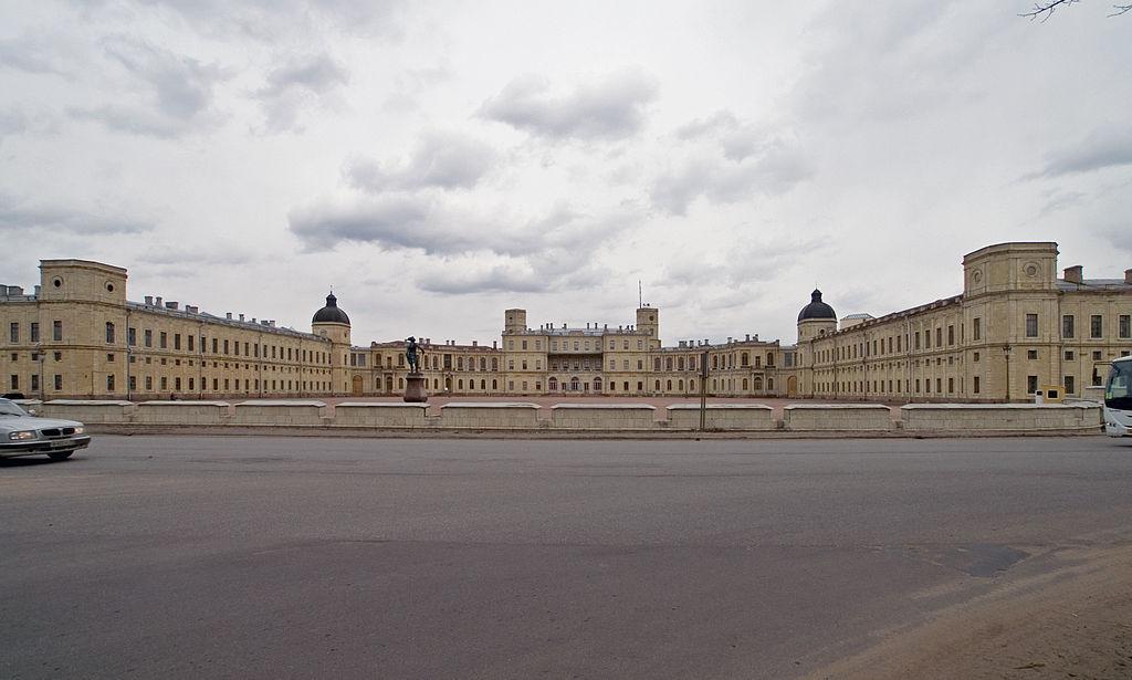 Вид на южный фасад дворца, апрель 2006 г. Фото: Heidas (Wikimedia Commons)