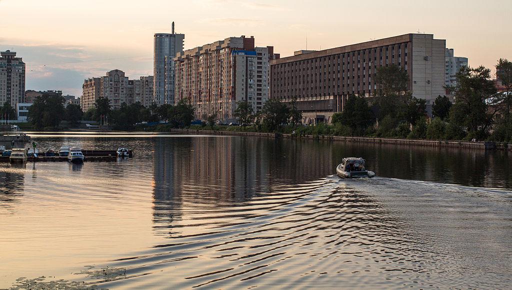 Галерная гавань СПб, 2014 г. Фото: Chernokrylova (Wikimedia Commons)