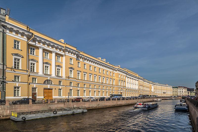 Восточный фасад Главного штаба, источник фото: Wikimedia Commons, Автор: Florstein