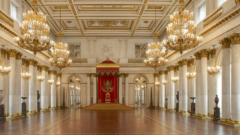 Георгиевский (Большой тронный) зал, источник фото: http://www.hermitagemuseum.org/wps/portal/hermitage/explore/buildings/locations/room/B10_F2_H198