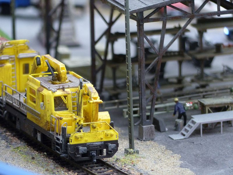 Подвижного состава — более 2700, из них 250 локомотивов. Автор фото: Grandmaket (Wikimedia Commons)