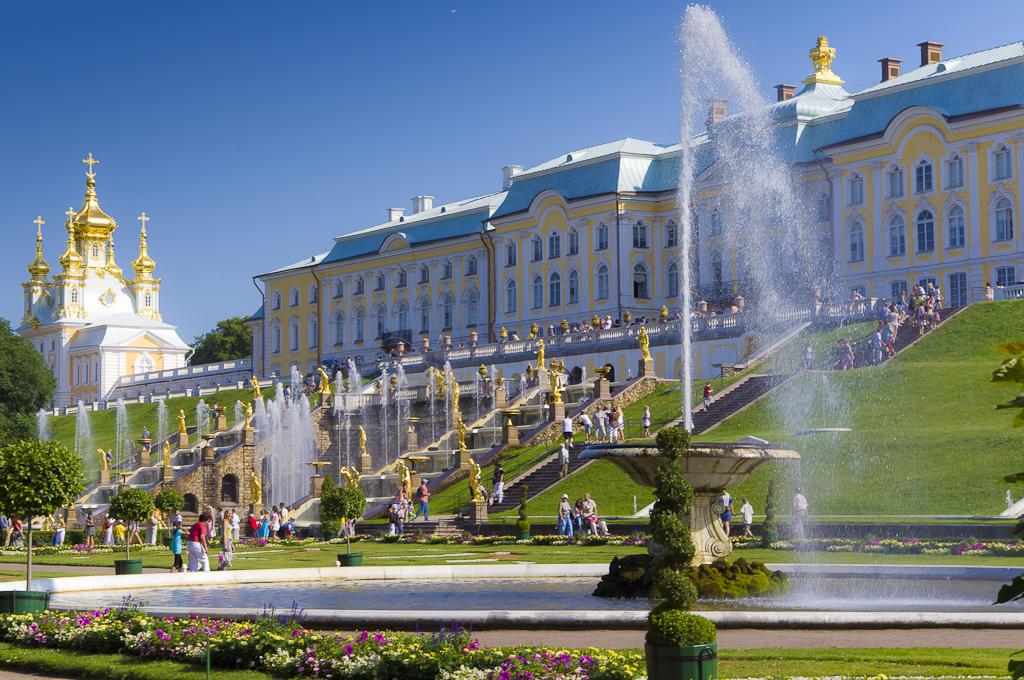 Петергоф. Большой дворец. Фото: MUk1 (Wikimedia Commons)
