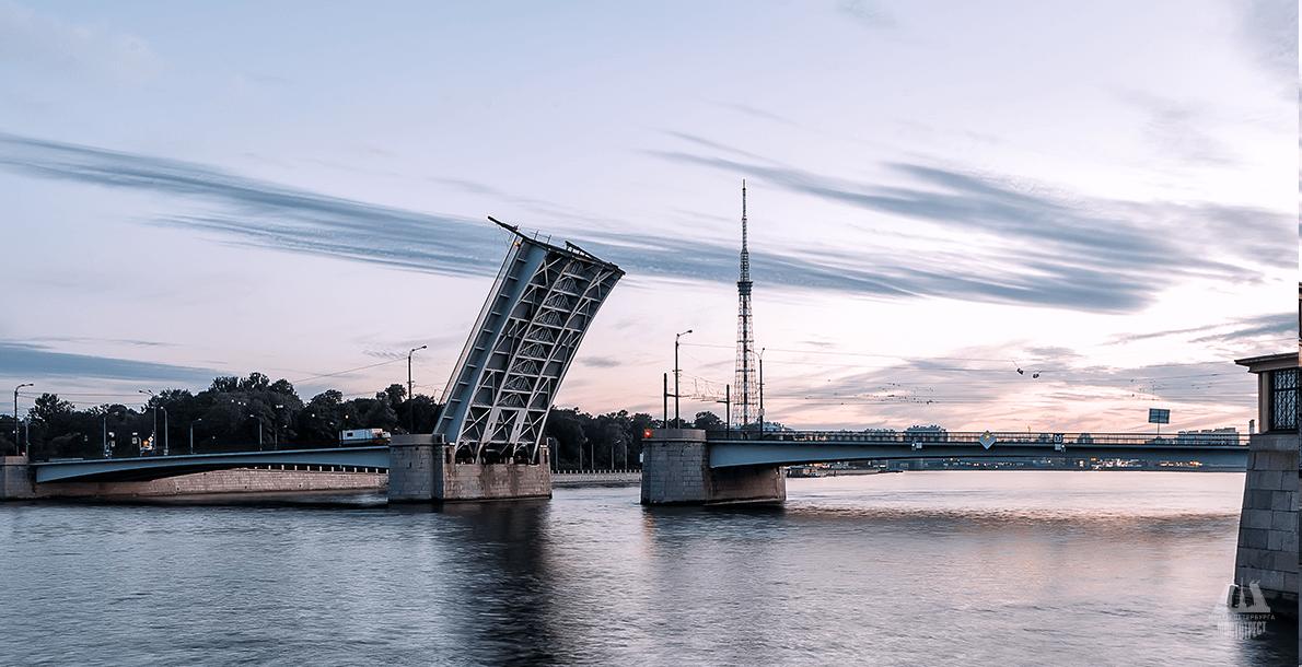Гренадерский мост. Фото: mostotrest-spb.ru/bridges/grenaderskij