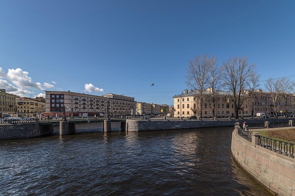 Водный перекрёсток Крюкова канала с каналом Грибоедова. Автор фото: Florstein (WikiPhotoSpace)