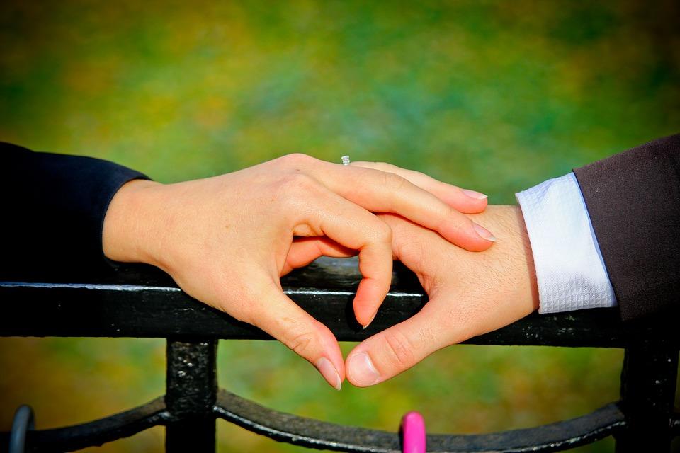 День Святого Валентина, источник фото: https://pixabay.com/ru/сердце-любовь-помолвка-1728511/