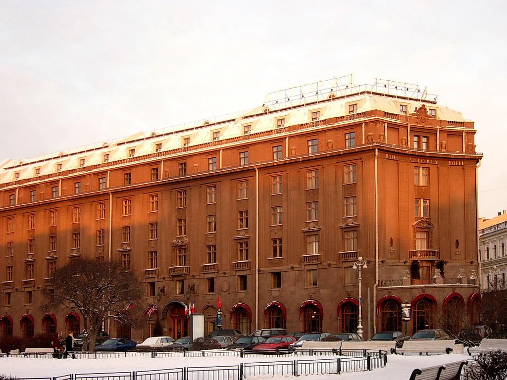 """Гостиница """"Астория"""". Фото: Geevee (Wikimedia Commons)"""