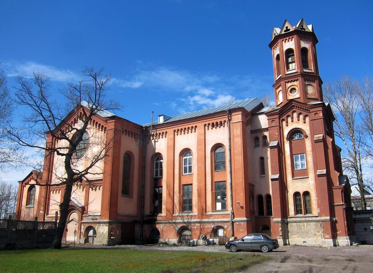 Храм, фото с сайта Arhitektfoto.ee