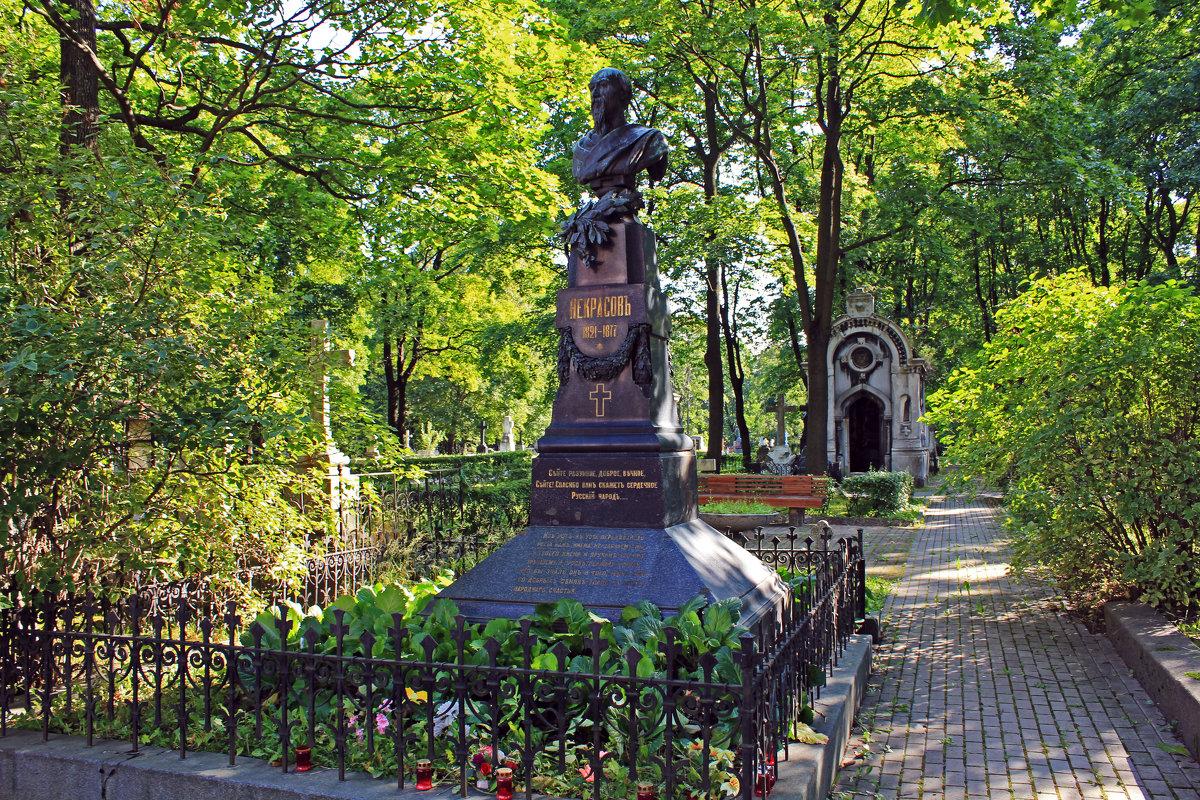 Могила Н. А. Некрасова на Новодевичьем кладбище. Фото: fotokto.ru