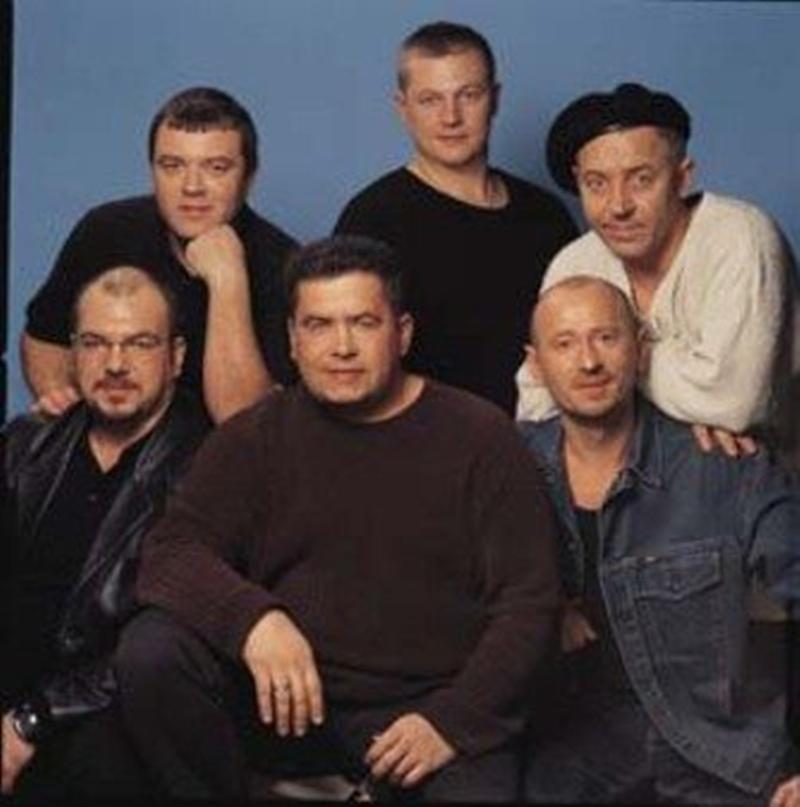 foto-gruppa-chlenov-na-odnu