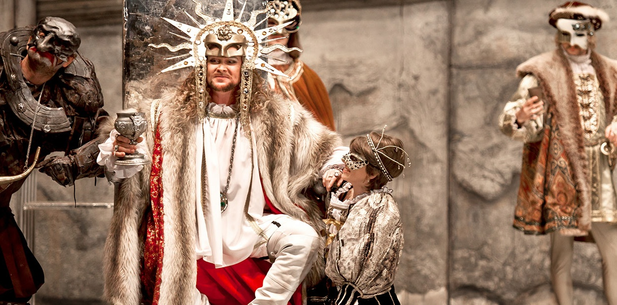 опера Риголетто, источник фото: spbopera.ru