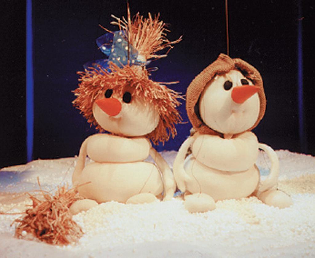спектакль  «Солнышко и снежные человечки», источник фото: uralkukla.ru
