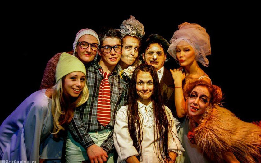 Спектакль «Ужасная история», источник фото: visit-petersburg.ru