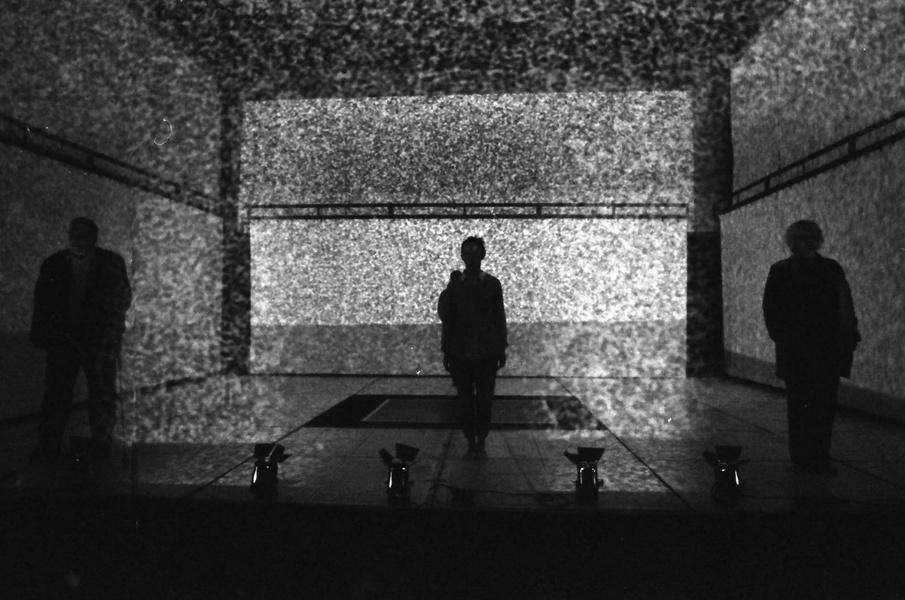 Спектакль «Шум» , источник фото: http://kudago.com/