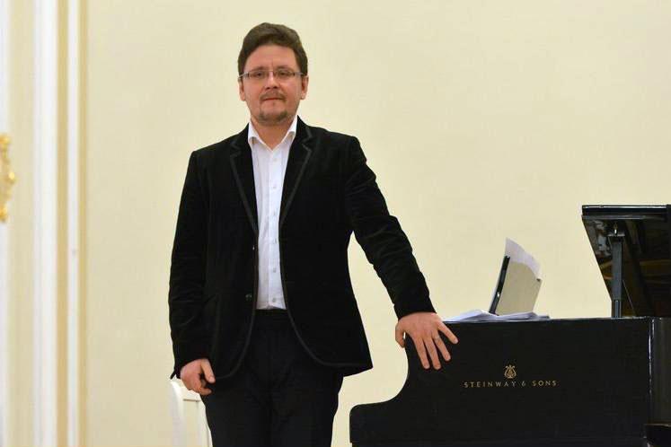 Концерт Дмитрия Барбашина, источник фото: tzar.ru