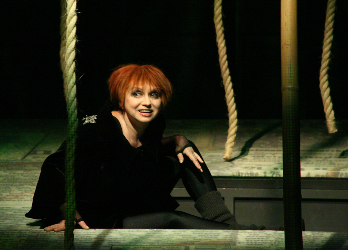 Спектакль «Визит дамы», источник фото: http://akimovkomedia.ru/