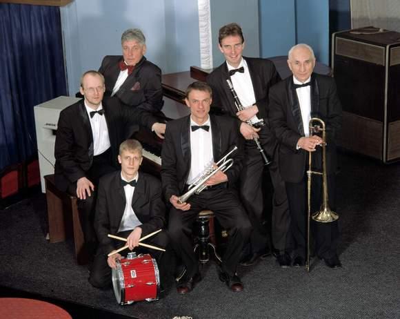 «Джаз-бэнд Федора Кувайцева», источник фото: kudago.com
