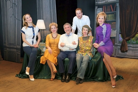 Спектакль «37 открыток» , источник фото: chel.kassy.ru