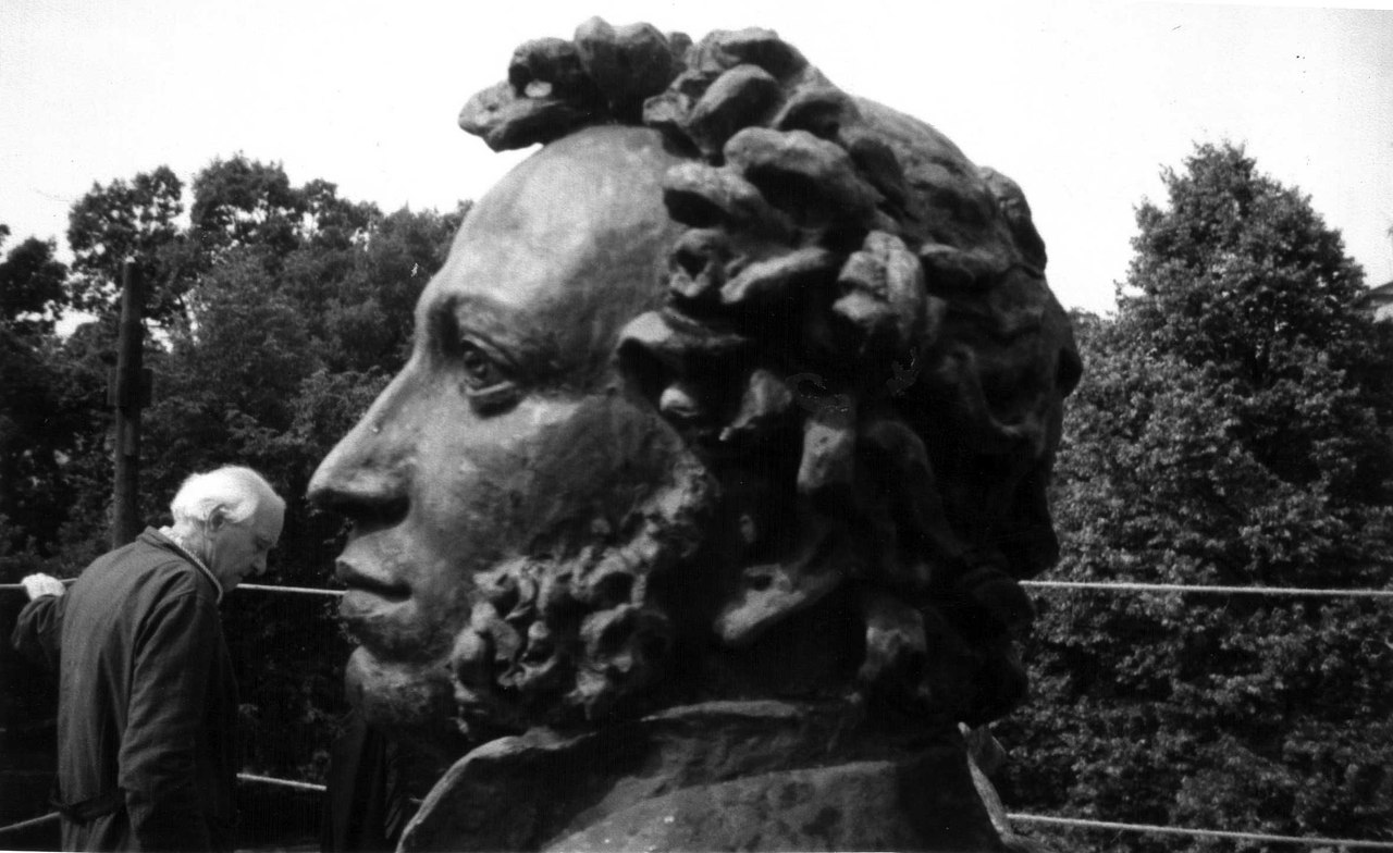 Мастерская Аникушина, источник фото: https://vk.com/sculptorstudio
