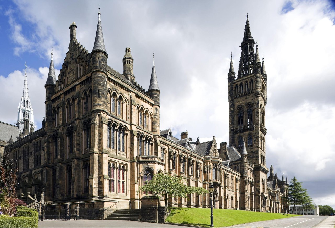 University of Glasgow, источник фото: https://vk.com/educationukfairspb