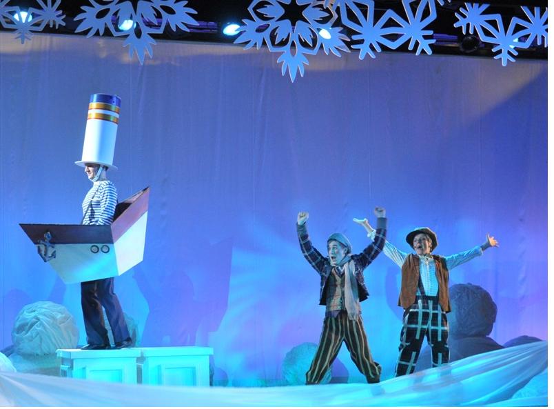 """Новогоднее представление """"Однажды под Новый год"""", источник фото: http://muzcomedy.ru/playbill/playbill/new_year/"""
