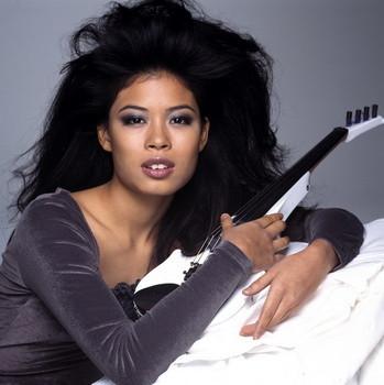 Vanessa Mae violin - best in the world, источник фото: http://www.vanessa-mae.com/vanessa-mae-photo