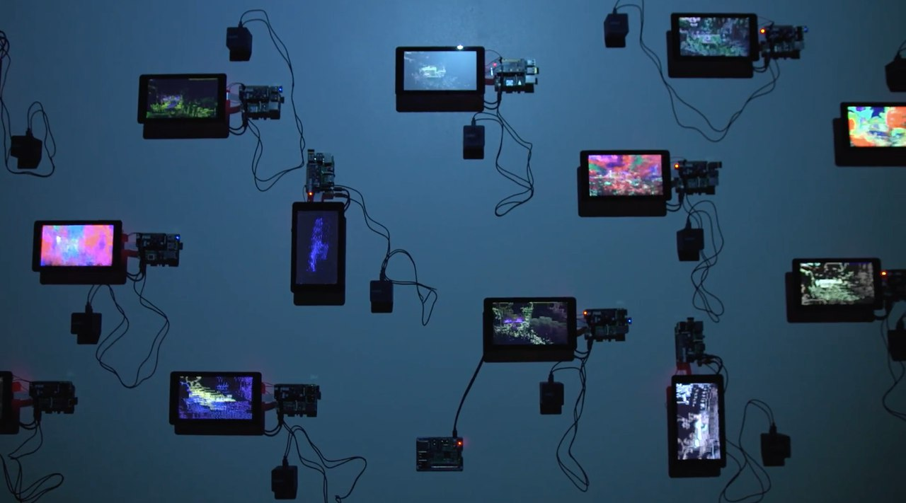 Инсталляция испано-британского художника Франсеска Марти, источник фото: https://vk.com/cyberfest_marti?z=photo-137322201_456239018%2Falbum-137322201_00%2Frev