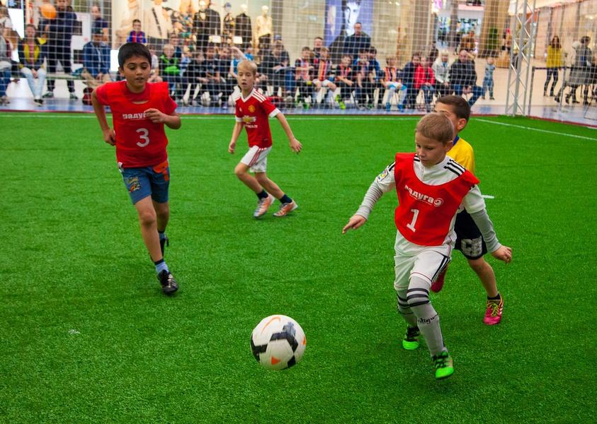 """Футбольный турнир """"Пусть всегда будет мама!"""", источник фото: http://www.trkraduga.ru/news/pust-vsegda-budet-mama"""