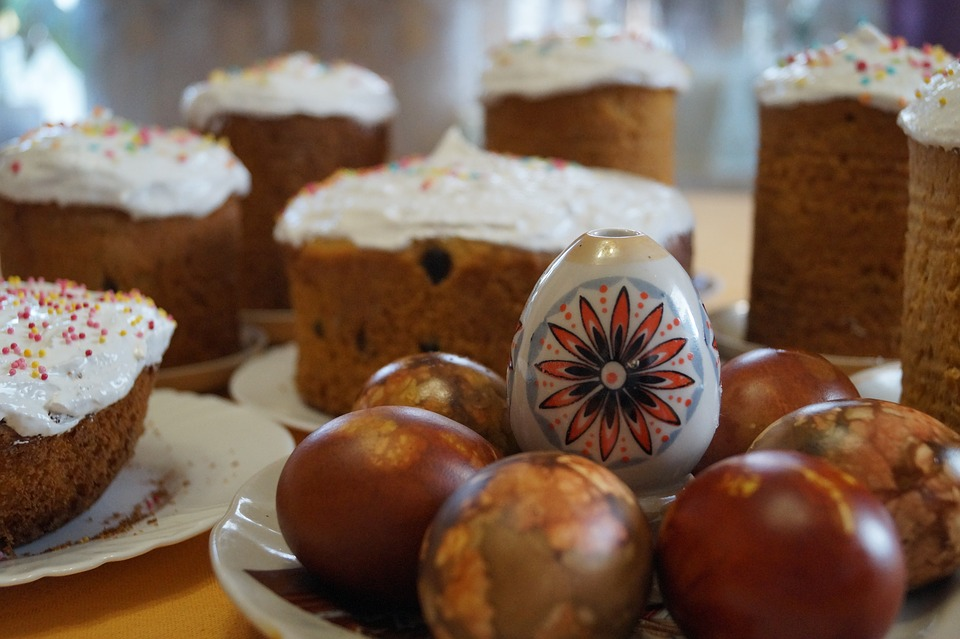 Куличи Пасха Яйца Праздник, источник фото: https://pixabay.com/ru/кулич-куличи-пасха-яйца-праздник-1612402/