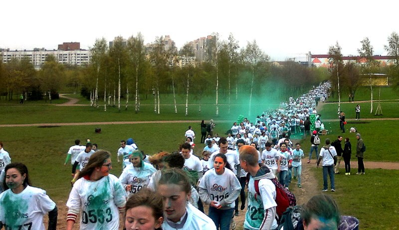 Красочный забег ColorsGO 2017, источник фото: https://vk.com/colorsgo Автор: Олька Жарикова