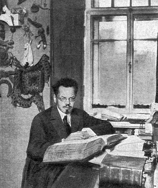 "А. М. Ремизов, источник фото: Wikimedia Commons. Автор: Karl Bulla (Журнал ""Огонёк"" № 44, 1911)"